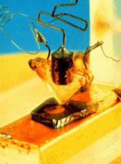 Изобретение транзистора 60 лет назад изменило мир. Большие свершения маленького элемента