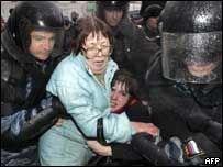 Милицию Москвы критикуют за жестокость