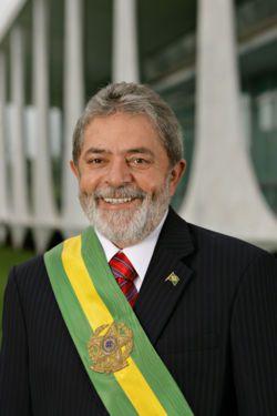 Президент Бразилии Луис Инасиу Лула да Силва предложил создать южноамериканский совет обороны