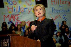 Хиллари Клинтон победила Барака Обаму на праймериз в трех штатах