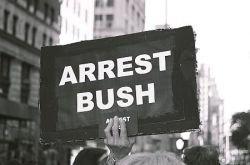 Граждане США разрешили арестовать Джорджа Буша