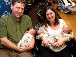Жительница Нью-Йорка родила редкую однояйцевую тройню