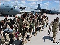 США опять допустят на узбекскую военную базу