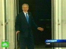 Джордж Буш устроил пляски на крыльце Белого дома