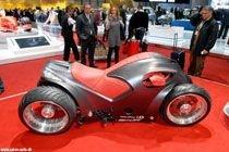 В Женеве представлен необычный спортбайк о четырех колесах - Sbarro Pendolauto