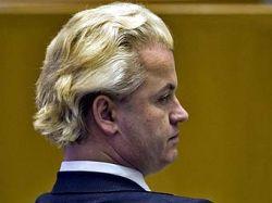 Голландия подняла уровень террористической угрозы из-за фильма о Коране