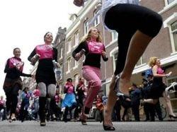 Победительница забега на каблуках в Aмстердаме получила 15 тысяч долларов