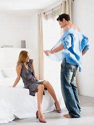 Урок стриптиза для мужчин: лучший подарок женщине