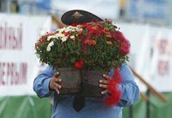 8 % российских мужчин считают 8 марта своим праздником