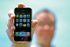 Apple создала специальный сервис App Store для продажи ПО для iPhone