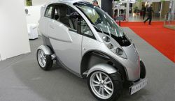 В Женеве показали одноместный автомобиль Lumeneo Smera, работающий на бытовых батарейках