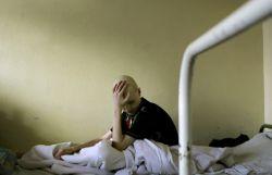 Тысячи россиян, страдающих редкими заболеваниями, испытывают поистине танталовы муки