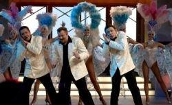 Первый коммерчески успешный мюзикл в РФ Mamma Mia! заработал всего 700 тыс. евро