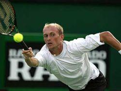 Николай Давыденко проиграл в полуфинале турнира в Дубаи