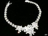 Бриллиантовое колье стоимостью около $2 млн украли в Голландии