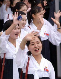 Власти КНДР призывают женщин отказаться от западной моды