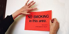 В отелях США идет охота на курильщиков