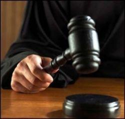 Жительница Кондопоги за лишение родительских прав избила в суде истца