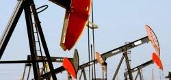 """Нефть бьет рекорды в \""""сумасшедшей гонке\"""""""