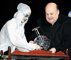 Александр Калягин вручил свою театральную премию