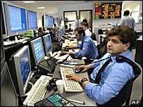 S&P прогнозирует улучшение рейтинга России