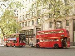 На петербургских улицах появятся двухэтажные автобусы