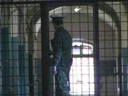 В России почти 900 тыс. заключенных, их число продолжает расти