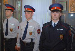 Милиционерам холодно в новой форме