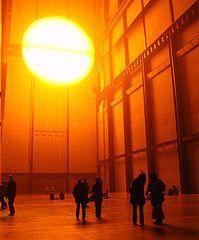 Травмоопасный экспонат в лондонской Tate Modern заменят инсталляцией французской художницы