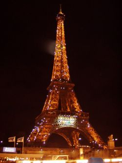 Париж замер на месте