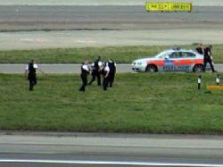 """Мужчина с двумя рюкзаками нарушил работу аэропорта \""""Хитроу\"""""""
