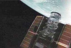 """Астронавты с \""""Индевора\"""" начали работу в открытом космосе"""