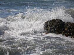 У северных берегов Испании бушует мощный шторм