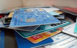 Сотрудница банка при помощи пластиковых карт похитила 12,5 млн рублей