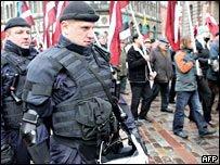 В Риге прошел марш легионеров СС