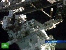 Трансформер собирают в открытом космосе