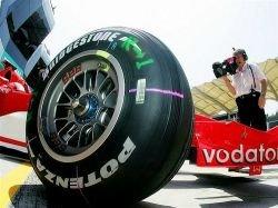 Автомобили Формулы-1 станут гибридными