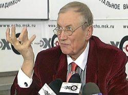 Евгений Евтушенко рассказал, как агент КГБ спала с ним ради спасения его жизни