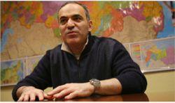 """Гарри Каспаров требует от движения \""""Наши\"""" 30 миллионов"""