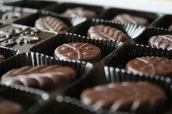 Шоколадный наркотик: что заставляет человека любить сладкое?
