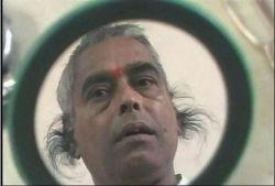 Житель Индии стал рекордсменом по самым длинным волосам в ушах (фото)