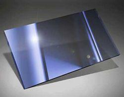 Ученые научились создавать металлические стекла из сплавов титана, циркония, ниобия, меди и бериллия