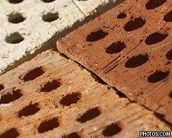 Британец разбил ладонью 55 каменных кирпичей за 5 секунд