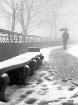 Снегопад оставил без света 70 тысяч россиян