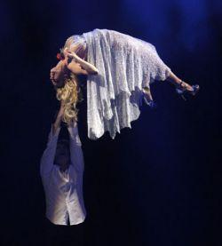 Невероятное шоу с участием Памелы Андерсон (фото)