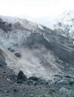Возобновлять поисковые работы на месте схода ледника Колка не планируется