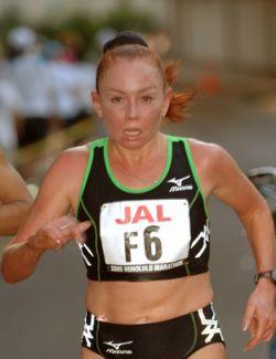 Российские бегуньи заняли весь пьедестал женского марафона в Кейптауне