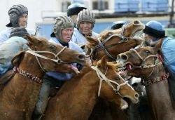 Конно-спортивный турнир по кок-бору в Бишкеке (фото)