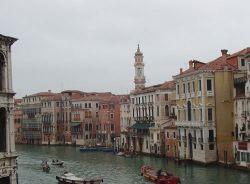 Дома в Венеции будут поднимать над водой
