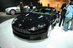 Компания Aston Martin на автосалоне в Нью-Йорке показала американцам модель DBS
